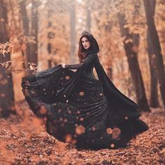 Gothic Photography, Halloween Photography, Autumn Photography, Creative Photography, Portrait Photography, Witch Photos, Halloween Photos, Gothic Halloween, Halloween Party
