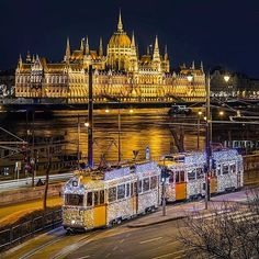 Budapest, Hungary by Tamas Rizsavi Most Beautiful Cities, Wonderful Places, Places Around The World, Around The Worlds, Capital Of Hungary, Budapest Travel, Hungary Travel, Belle Villa, Budapest Hungary