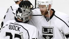 Kings beat Blackhawks with six unanswered goals in Game 2 as Jeff Carter nets hat trick following big saves by Jonathan Quick