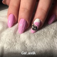 Tags:CAT, LONG, OVAL, PINK, VELVET SAND, WINTER    2017 Pink nail design with a cat pattern in a knitted cap