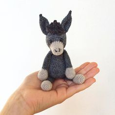 And the next animal from #edwardsmenagerie is born. Say hello to Angharad the donkey! #edwardsanimals #edsanimals #crochet #crochetanimal #crochetdoll #häkeln #häkelsüchtig #häkeltier #donkey #esel #amigurumi #madebyme #selfmade #crafting #handmade