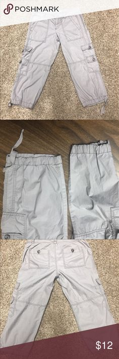 ANN TAYLOR LOFT SZ 0 CAPRI-GRAY 👖 ANN TAYLOR LOFT SZ 0 CAPRI-GRAY 👖 100% Cotton. They are very light gray- perfect for summer!                                   👖Please ask any questions before you purchase! 👠My apologies but no holds or trades! 👗Please use offer button! 👚Bundle for best deals!  Thank you for shopping with me, check back often! Happy shopping! Love ya 😘 Ann Taylor Pants Capris