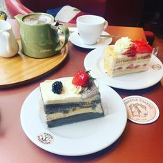 Best start to the weekend - #queen tribute act on Friday #breakfast at spoons and tea at @patisserievalerie on #saturday and a day out coming up on #Sunday _____________________________________________#happygirl #cake #weekend #kent #canterbury