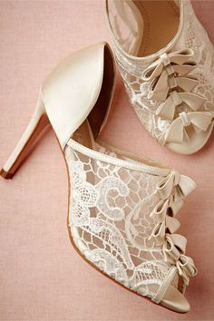 "Stunning! Love the vintage/antique styling of these ""Belle Epoque"" wedding heels. Sweet bows, a slim heel and lace contrast the old-fashioned style."