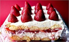 Moscato D'Asti Tiramisù with strawberries!!!  *brain explodes*
