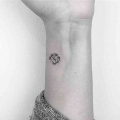 30 Best Cancer Tattoo Ideas & Crab Tattoos For Cancer Zodiac Signs . - 30 Best Cancer Tattoo Ideas & Crab Tattoos For Cancer Zodiac Signs 30 Best Constellati - Cancer Sign Tattoos, Cancer Crab Tattoo, Scorpio Zodiac Tattoos, Horoscope Tattoos, Cancer Zodiac Art, Leo Zodiac, Cute Tattoos, Small Tattoos, Pretty Tattoos
