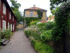 Innegård bakom Geijerhuset. Uppsala, Sweden, Scandinavian, Sidewalk, Magic, Canning, Places, Lugares, Home Canning