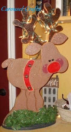 Cute Reindeer Wood Craft by Carousel Crafts