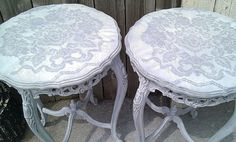 Lace stencil on tables. Recycled Furniture, Painted Furniture, Refinished Furniture, My Home Design, House Design, Furniture Makeover, Diy Furniture, Lace Stencil, Painted Stools