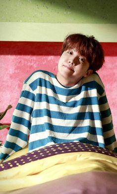 So this book is going to be BTS Reactions. So it will be you as what … this book is going to be BTS Reactions. So it will be you as what … # Zufällig # amreading # books # wattpad Namjoon, Taehyung, Seokjin, Bts J Hope, Jung Hoseok, Jung So Min, Gwangju, Billboard Music Awards, Bts Boys