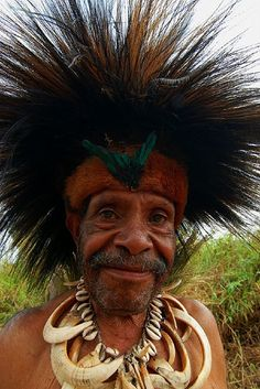 Papua New Guinea | Photo taken at the Mt Hagen Sing-Sing, 2007 | © Ian @ ThePaperboy.com, via Flickr