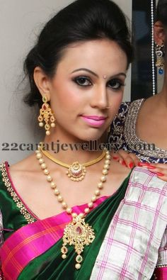 Jewellery Designs: Pretty Model in South Pearls Jewelry