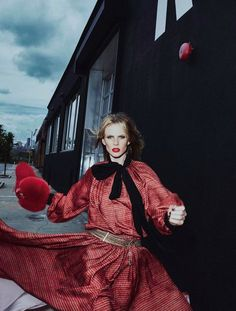"""Fashion Editorial - """"Red Alert!"""" Anne Vyalitsyna for Vogue Portugal October 2016 2"""