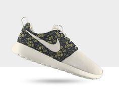 Nike Roshe Run Premium Liberty iD - Men's and Women's