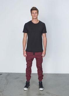 look masculino para balada com calça jogger (13)