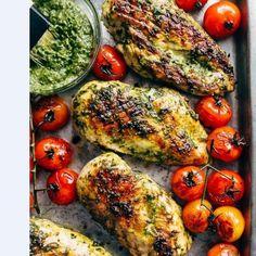 Kuracie prsia, ktoré budete milovať! (RECEPT) Chicken Pesto Recipes, Basil Recipes, Chicken Recipes Video, Baked Pesto Chicken, Keto Chicken, Turkey Recipes, High Protein Recipes, Healthy Dinner Recipes, Vegetarian Recipes