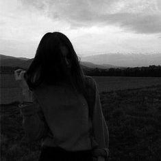 Night Aesthetic, Bad Girl Aesthetic, White Aesthetic, Cute Girl Photo, Girl Photo Poses, Tumblr Photography, Photography Poses, Black And White Instagram, Black White