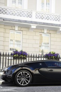 Bugatti Veyron. This is what love feels like. Doesn't it send your heart racing just looking at it!