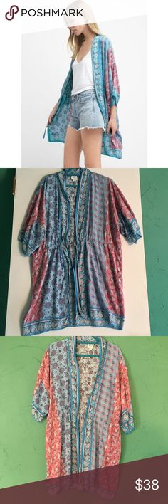 Super Soft Gap Kimono! This is the softest fabric ever. This little kimono looks great with jeans. It's a size m/l and has a drawstring at the waist.   100% cotton.   Excellent condition. GAP Other