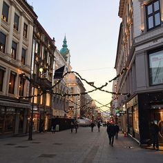 Christmas in Oslo, Norway. Holiday spirit in cobblestone streets Norway In A Nutshell, Bergen, Oslo, Tis The Season, Holiday, Christmas, Street View, Spirit, Seasons