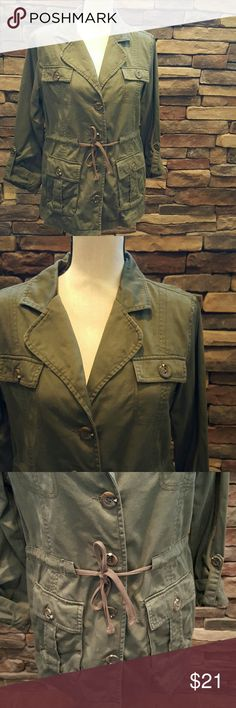 Forever 21 Army Jacket L Worn only one time and in excellent condition, army green jacket that has 4 button flap pockets in the front and a cinched tie waistline.  No trades pleas. Forever 21 Jackets & Coats