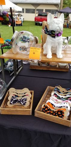 Dog Grooming Shop, Dog Grooming Business, Craft Booth Displays, Dog Cafe, Pet Boutique, Creation Couture, Dog Bows, Animal Projects, Baby Puppies