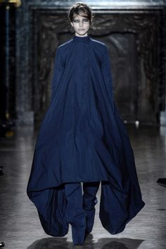 Gareth Pugh: Fall/Winter 2013 Ready-to-Wear Paris. Model: Sasha Luss.