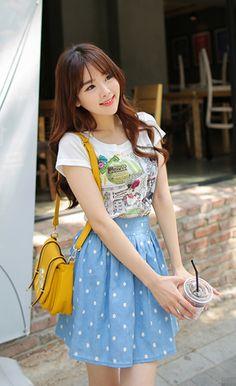 sweet high waisted skirt with tee  (luv purse too!)