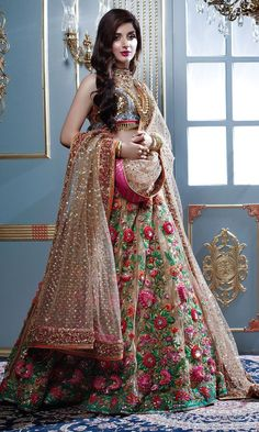25 Trendy Lehenga designs for Navratri & Garba 2019 - Buy lehenga choli online Indian Bridal Outfits, Indian Bridal Fashion, Indian Bridal Wear, Pakistani Wedding Dresses, Wedding Gowns, Designer Bridal Lehenga, Bridal Lehenga Choli, Red Lehenga, Anarkali