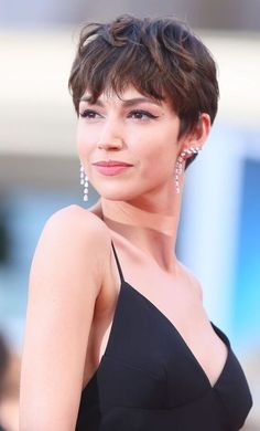 Short Hairstyles For Thick Hair, Short Hair Cuts, Curly Hair Styles, Models With Short Hair, Androgynous Hair, Edgy Hair, Edgy Short Hair, Short Pixie, Pixie Cut
