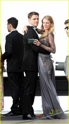 . Sam Page, Blake Lively, Girl Costumes, Gossip Girl, Game Of Thrones Characters, Actors, Fictional Characters, Gossip Girls, Fantasy Characters