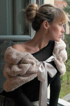Faux-Fur Stole/ knitted, looks great, free/ http://tahkistacycharles.com/t/pattern_single?m========free_id=1499
