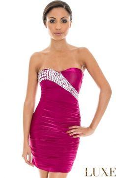 Elegantné prom mini šaty s dekoráciou od Etoile. I Dress, Party Dress, Strapless Dress Formal, Formal Dresses, Fashion Outfits, Fashion Clothes, Evening Dresses, Celebrity Style, Bodycon Dress