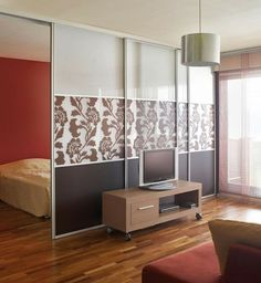 séparation de pièce : chambre et salon divisés avec cloison coulissante