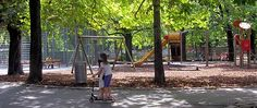 Can't believe it: This is the little park in front of my mum's former home in Penzing d.) You should have seen it 60 years ago.it has sooo much improved! Without Makeup, Life Photo, See It, Vienna, Squares, Outdoor Structures, Park, Street, Pictures