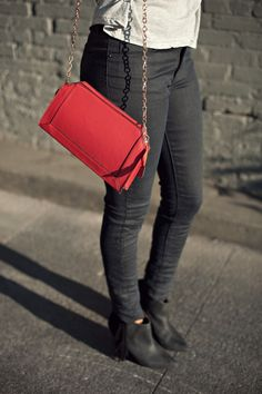 my style - red clutch - good girlfriend - STYLE ME GRASIE