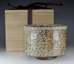 Shigaraki chawan / Japanese tea ceremony bowl #2551 Japanese Tea Ceremony, Chawan, Tea Bowls, Pottery, Vase, Antiques, Decor, Ceramica, Antiquities