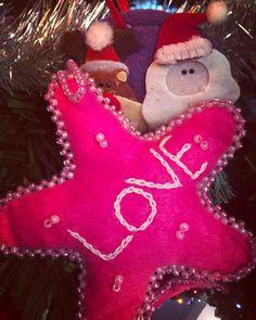 Heidi Shedlock (@heidishedlock) • Instagram photos and videos Christmas Love, Merry Christmas, Christmas Ornaments, South Africa, Photo And Video, Holiday Decor, Videos, Artist, Photos