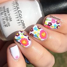 Here's proof that even with no artistic talent you can freehand florals  I had no plan for these, I just painted my base of @sinfulcolors_official Snow Me White and then went to town with some acrylic paints, a bobby pin as a dotting tool, and a small paintbrush. Nail gem in my pinky is from Amazon. I added s matte top coat because I love matte florals! You can read about these (and more cute floral manis) by clicking the link in my bio for my latest @cutegirlshairstyles post!!!! ❤️...