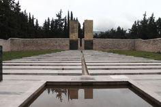Α. Τσίπρας: Η ελληνική δημοκρατία αναγνωρίζει και τιμά αυτούς που της έδωσαν υπόσταση (εικόνες)