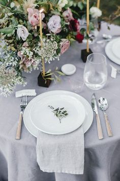 A simple table setting with perhaps a favor?