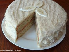 Gluten Free Banana Cake with Fresh Raspberry Filling smothered in White Chocolate Buttercream Frosting Best Gluten Free Recipes, Gluten Free Cakes, Sweets Cake, Cupcake Cakes, Heathy Treats, White Chocolate Buttercream Frosting, Gluten Free Kitchen, Cake Recipes, Dessert Recipes