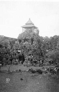 Cirebon, Old Pictures, Paris Skyline, Indie, Travel, Antique Photos, Viajes, Old Photos, Destinations