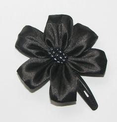 Black ribbon hairclip Black Ribbon, Hair Clips, Band, Handmade, Accessories, Fashion, Hair Rods, Moda, Bands