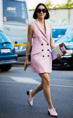 Parisienne: Everyone Is Suddenly Into the Color Pink