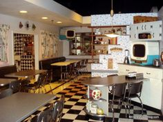 50s prime time cafe - table @ Hollywood Studios park