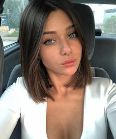 12 Amazing Blunt Bob Hairstyles You'd Love to Try This Year! 12 Amazing Blunt Bob Hairstyles You'd Love to Try This Year! 12 Amazing Blunt Bob Hairstyles You'd. Pelo Midi, Blunt Bob Hairstyles, Short Blunt Haircut, Brown Bob Haircut, Long Blunt Bob, Lob Haircut Straight, Blunt Lob, Blunt Cuts, Blunt Bob Medium