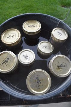 JALAPENO & BELL PEPPER JELLY is a great recipe to take to neighbors and family for a gift, to put in recipes or use on appetizers Jalapeno Jelly Recipes, Jalapeno Pepper Jelly, Red Pepper Jelly, Pepper Relish, Stuffed Jalapeno Peppers, Bell Pepper, Homemade Jelly, Homemade Gifts, Appetizer Dessert