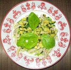 Pasta al sugo zucchine - Pag. 95 - Il grande libro delle ricette per la dieta dei gruppi sanguigni - Marilena D'Onofrio - L'Età dell'Acquario