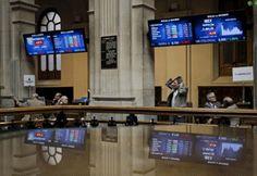 El selectivo español incrementa las caídas a medida que avanza la sesión y vuelve a entrar en pérdidas en lo que va de año.